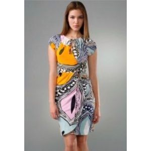 Diane Von Furstenberg wrap dress 100% silk Kiamo